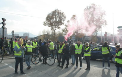 Grenoble, 17 novembre 2018 : Blocage avec le Mouvement des Gilets Jaunes